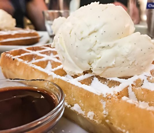 Brussels Waffle on Belgian food tour