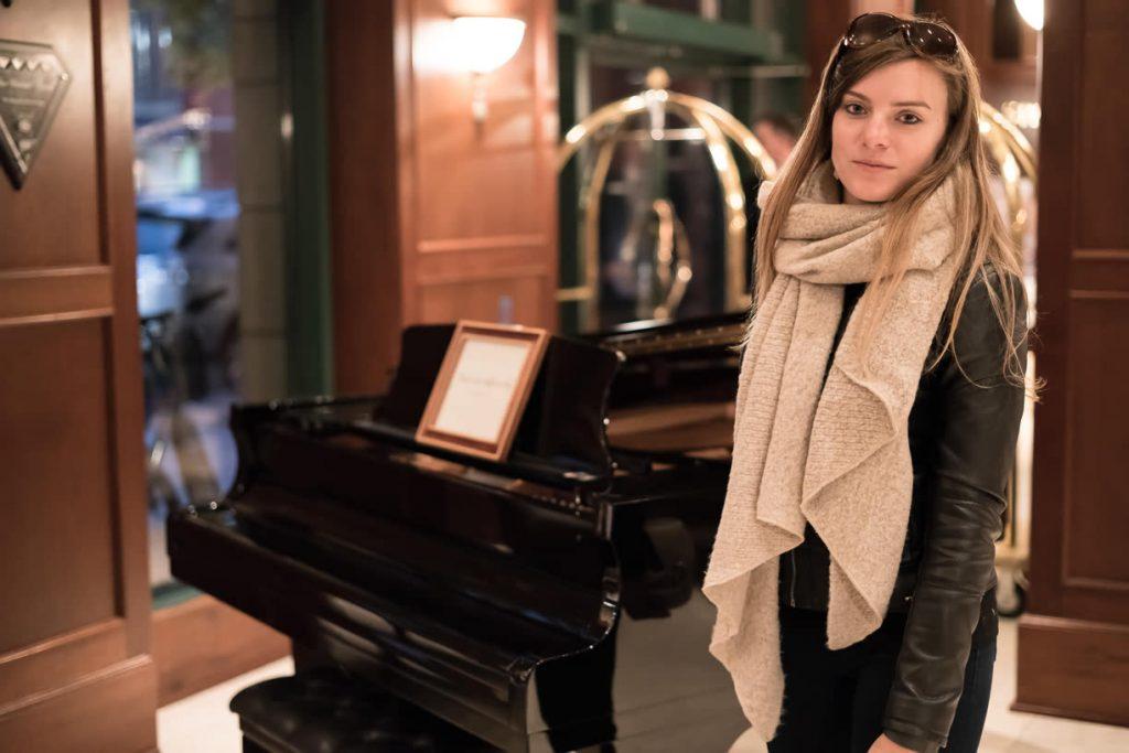 Piano in lobby Magnolia Hotel & Spa