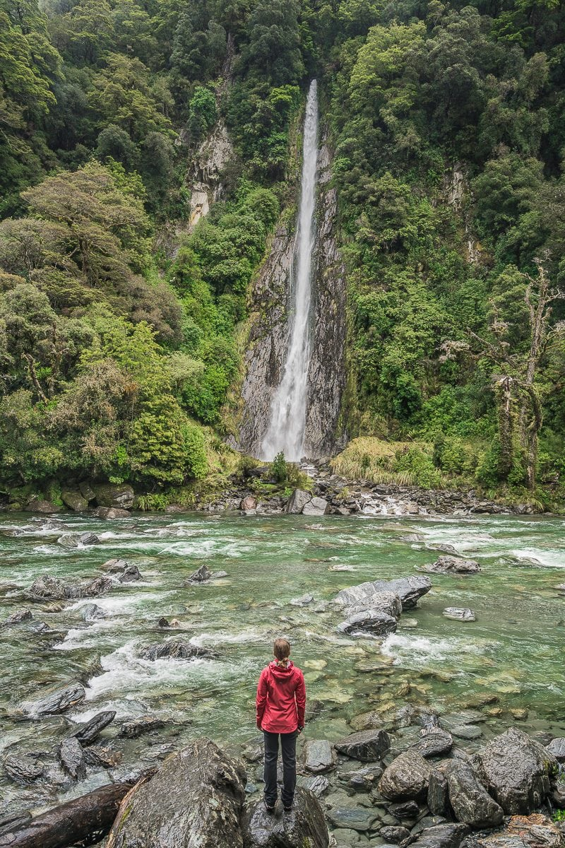 Mount Aspiring waterfall nz