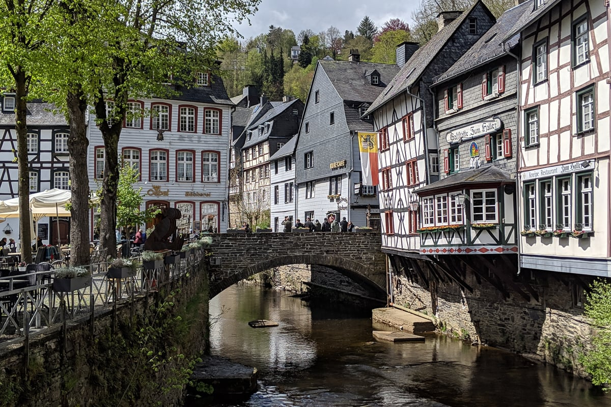 Goodbye 2019, Hello 2020 - A bridge over a river in a city - Monschau